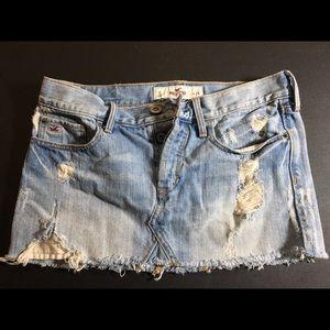 💋 Hollister Distressed Denim Jean Mini Skirt